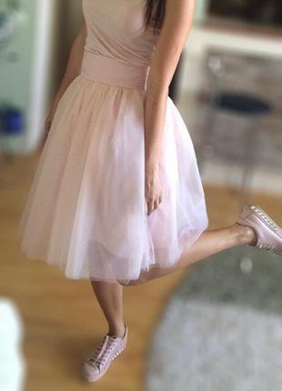 Фатиновая пудровая, нежно розовая юбка миди с высокой талией