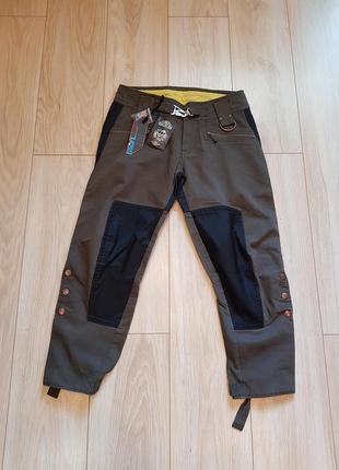 Женские укороченные брюки diesel. новые