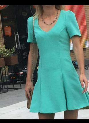 Летнее платье бирюзовое с красивой открытой спиной спинкой