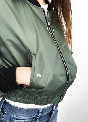 Бомбер, легкая куртка, ветровка, летняя куртка