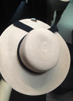 Шляпка широкополая плетеная с лентой