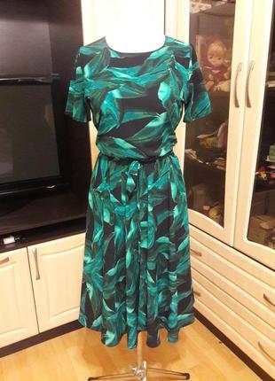 Шикарное платье в модный принт тропик3 фото