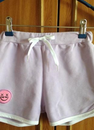 Классные шорты на девочку подростка