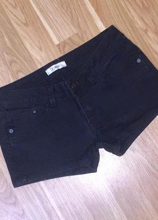 Летние короткие джинсовые шорты чёрного цвета
