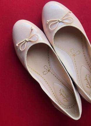 Телесно-розовые балетки clarks из экокожи, 38 размер