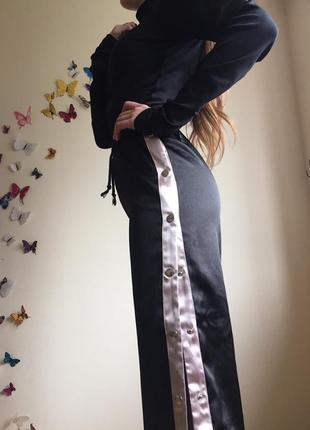 Спортивние штаны  брюки с лампасами на кнопках с розрезами по бокам4 фото