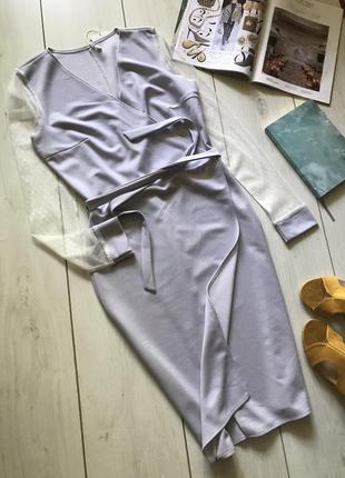 Серое  платье на запах с прозрачными рукавами