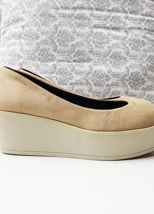Замшевые туфли на платформе vagabond
