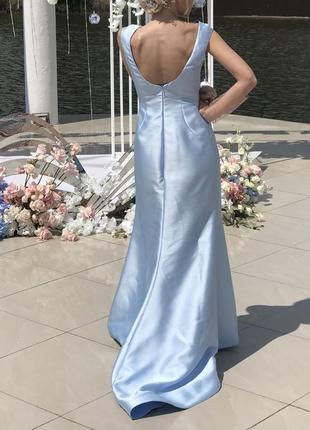Вечернее  платье со шлейфом pollardi