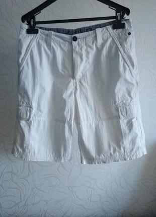 Тонкие белые коттоновые шорты