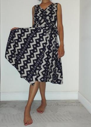 Хлопковое платье-сарафан на запах