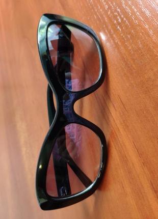 Стильные солнцезащитные очки кошки