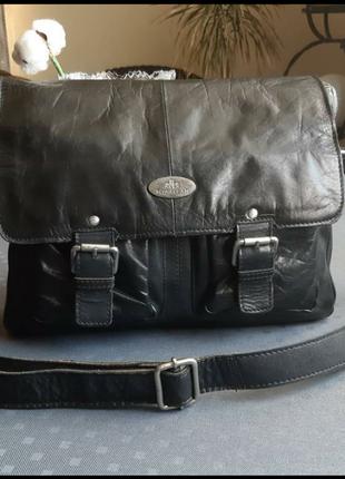 Кожаная мужская черная вместительная сумка кроссбоди фирмы rowallan в новом новом сост