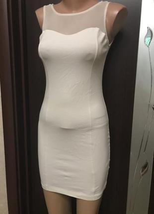 Платье силуэт декор змейка на спинке