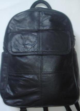 Фирменный кожаный городской вместительный рюкзак