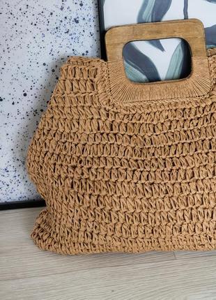 Трендовая соломенная сумка с деревянной ручкой4 фото