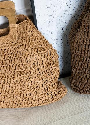 Трендовая соломенная сумка с деревянной ручкой5 фото