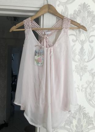 Стильная пудровая блуза невесомая