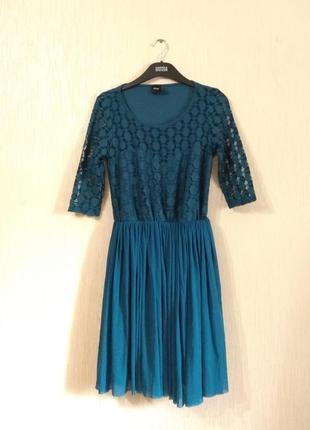 Шикарное бирюзовое кружевное платье asos размер s