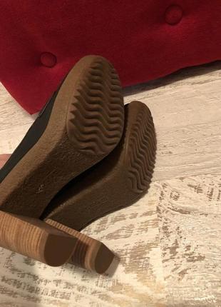 Новые натуральные фирменные туфли 41р.5 фото