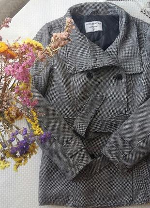 Красивое теплое пальто фирмы тerranova