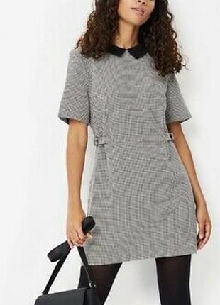 Стильное платье 48 размер