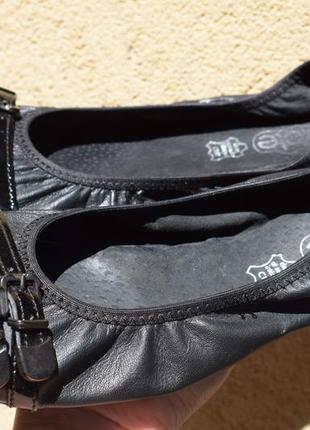 Кожаные туфли балетки лодочки