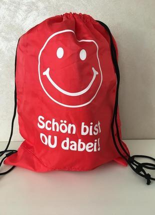 Яркий вместительный легкий рюкзак