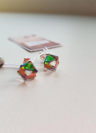 Серебряные сережки гвоздики/пусеты с камнем swarovski