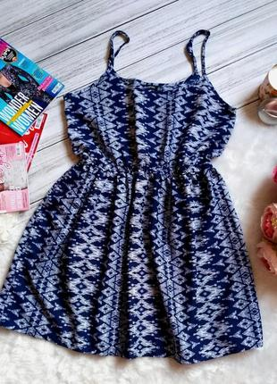 Красивое легкое летнее платье спринтом орнаментом размер 10-12(40-42)