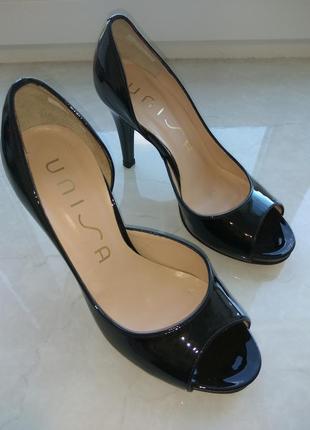 Шкіряні туфельки unisa