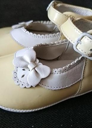 Первые туфельки, пинетки из натуральной кожи4 фото