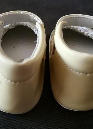 Первые туфельки, пинетки из натуральной кожи5 фото