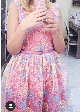 Платье расклешенное в нежных оттенках