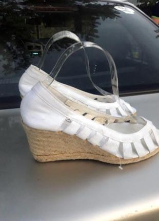 Летняя распродажа обуви по 30 грн! босоножки, сандалии на танкетке laureana