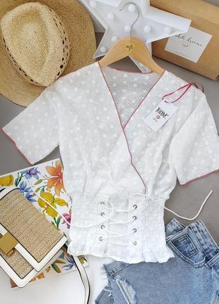Блузка из прошвы