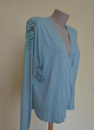 Шикарная трикотажная блузочка кружевная спинка фасон на запах