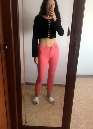 Классные коралловые розовые джинсы скинни узкачи узкие штаны леггинсы. р. m4 фото