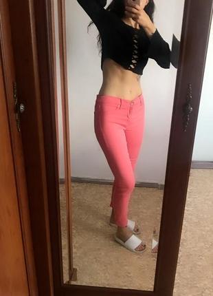 Классные коралловые розовые джинсы скинни узкачи узкие штаны леггинсы. р. m7 фото