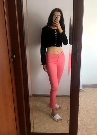 Классные коралловые розовые джинсы скинни узкачи узкие штаны леггинсы. р. m6 фото