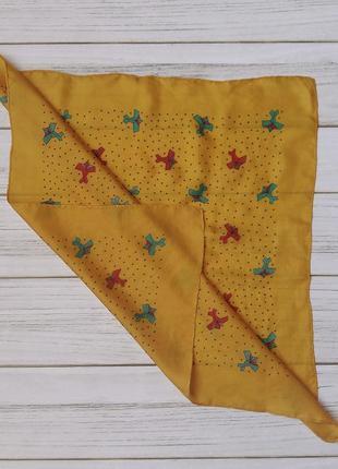 Шелковый платок желтый