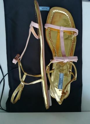 Босоніжки бренду prada2 фото
