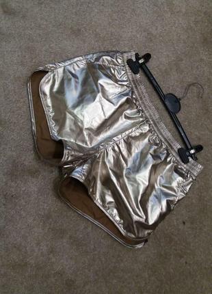 Бомбезные шорты с винила-бренд-house--l6 фото