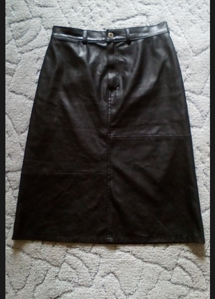 Кожаная юбка миди трапеция от marks & spenser
