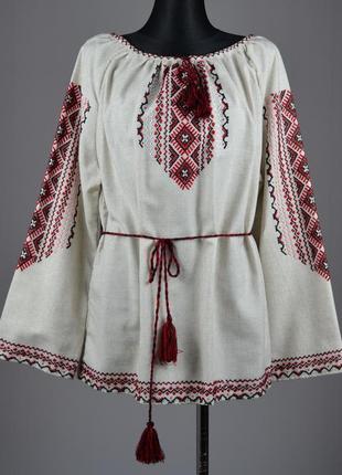 Красива вишита жіноча блузка (ручна робота)