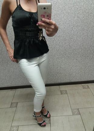 Белые джинсы,капри