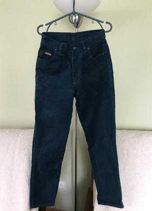 Чудесные темно-циановые джинсы