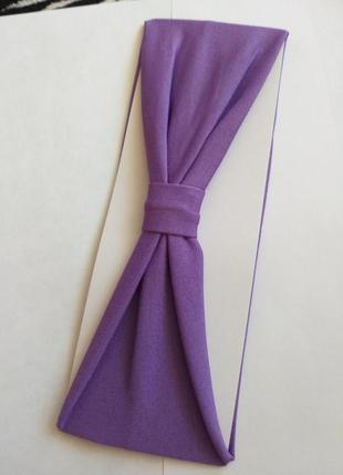 Простая фиолетовая повязка чалма летний тренд