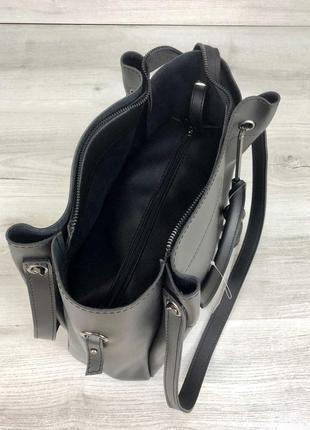 Черная молодежная сумка с косметичкой и двойными ручками3 фото