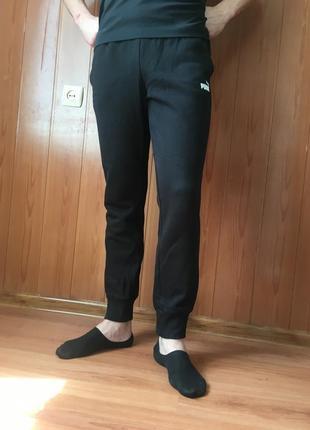 Чорні спортивні штани puma
